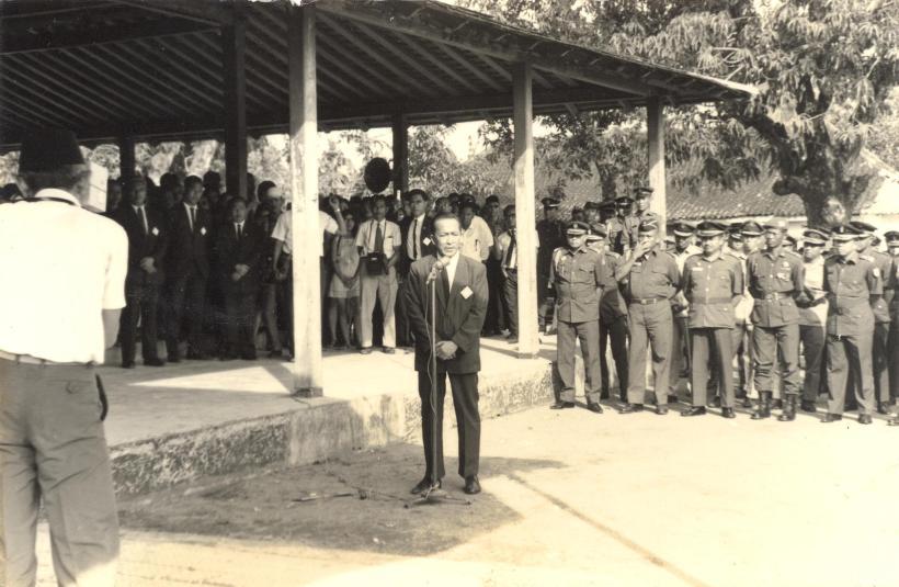 Ayah memberi sambutan atas Wafatnya Prof. Dr. Sumantri Hardjoprakoso, orang yang dikaguminya
